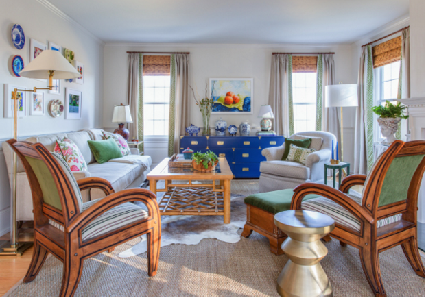 *AFTER* of Boston interior designer Linda Holt's living room for the #OneRoomChallenge || http://lindaholtinteriors.com